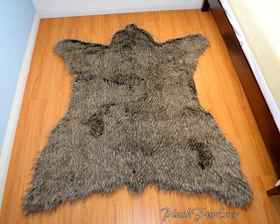 gray coyote fake fur rug decor 5 x 6 area rugs flokati furry. Black Bedroom Furniture Sets. Home Design Ideas