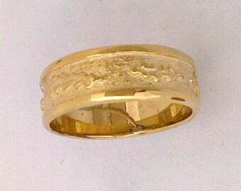 Banksia Leaf Pattern Band Ring in a solid 9 K gold hand carved design.