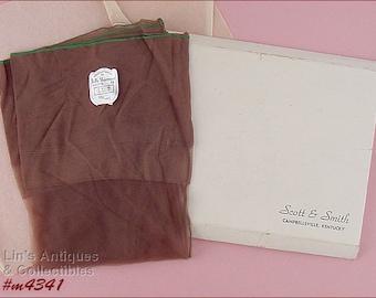 Vintage Belle Sharmeer Seamed Stockings Seamed Nylons Size 10 (Inventory #M4341)