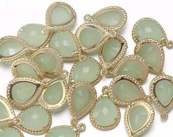 10% OFF (10 Pieces) . Light Mint Glass Pendant . Wholesale Jewelry . 16K Polished Gold Plated over Brass / 10 Pcs - CG001-PG-LM
