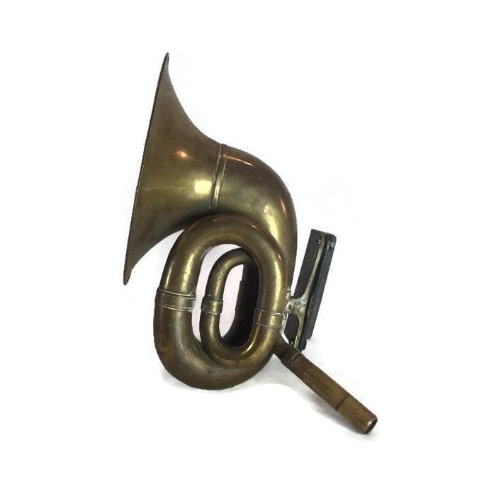 Antique Auto Horn : Antique brass automobile horn