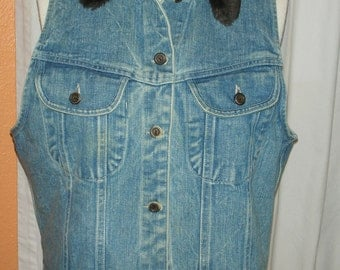 Denim Vest Fur Collar Lambskin 80's & 90's Old School Brand Cotton Size large Made In USA