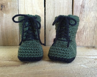 Crocheted baby combat boots, baby boots, combat boots, baby gift, baby accessory,photo prop, crocheted military boots