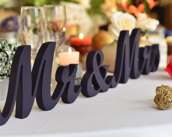 Mrs & Mr Wedding table signs. Weddiing table signs. Mr and Mrs. Mr and Mrs signs. Mrs and Mr wedding.