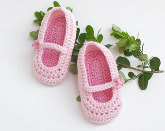 Crochet Pink Baby Shoes, hand knitted, Crochet Baby Booties