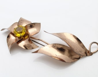 Large Vintage 1950s Gold on Sterling Silver Flower Brooch w Yellow Rhinestone. [676]