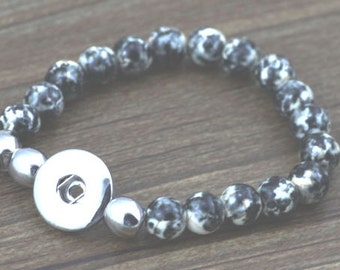Clearance ~ Black & White Marble Faux Jade Stretch Bracelet for Snap It Chunk Charms