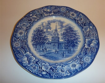 2 Staffordshire Liberty Blue 10 in. Dinner Plates Independece Hall Transferware Excellent condition
