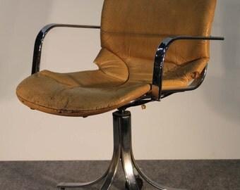 A rare swivel chair by Cidue vintage Italian Rizzo
