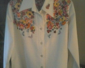 SIr James, white blouse long sleeve hippie groove style