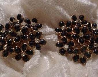 1960s Black Flower Cluster Earrings