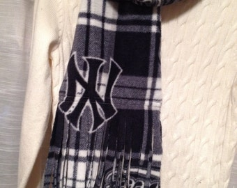New York Yankees plaid winter scarf for men or women - sewn double layered warm and soft