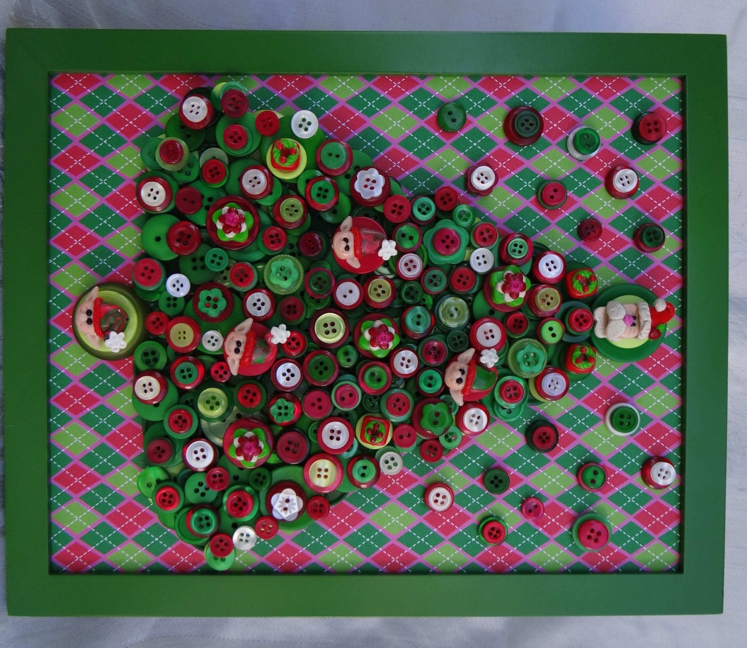 Button Christmas Trees: Darling Framed BUTTON CHRISTMAS TREE Polymer Clay Santa Tree