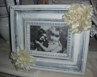 Large frame - white photograph takes shabby chic style