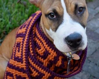 Square Greek key scarf crochet pattern for men or women // Greek Key crochet mosaic // Gifts for him or her // Reversible stripe or mosaic