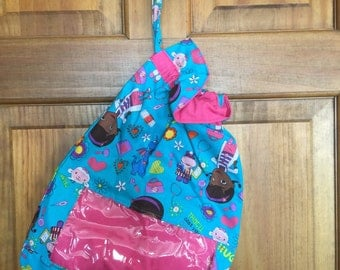 DOC McSTUFFINS Reversible Drawstring Tote with See-Through Window:Cinch Toy Sack