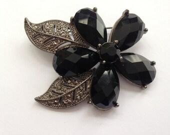Vintage - Flower Brooch - Marcasite Look Leaves -