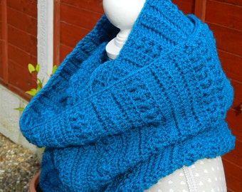 Crocheted Snood/Cowl in Blue