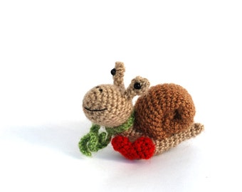 amigurumi snail, miniature snail, crochet snail doll, tiny snail toy, nature inspired woodland animal, collectible snail gift for girlfriend