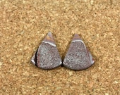 Sonora Dendritic Rhyolite Cabochon Earring Pair - Maroon Orange and White Smooth Triangle Fan Beads, 1 pair