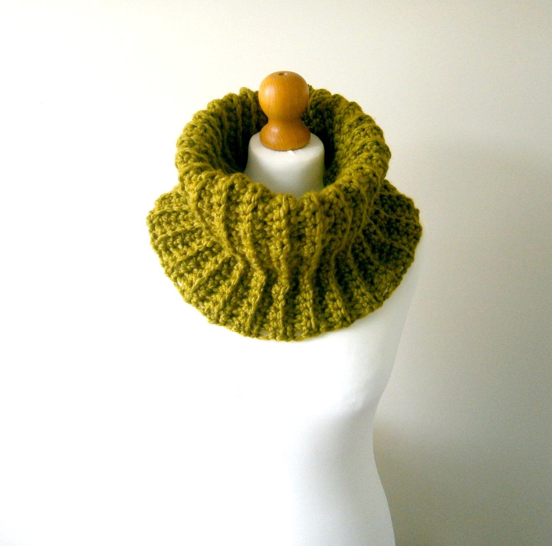 Beginner Crochet Patterns Cowl : CROCHET COWL PATTERN Crochet Scarf Pattern Crochet Cowl