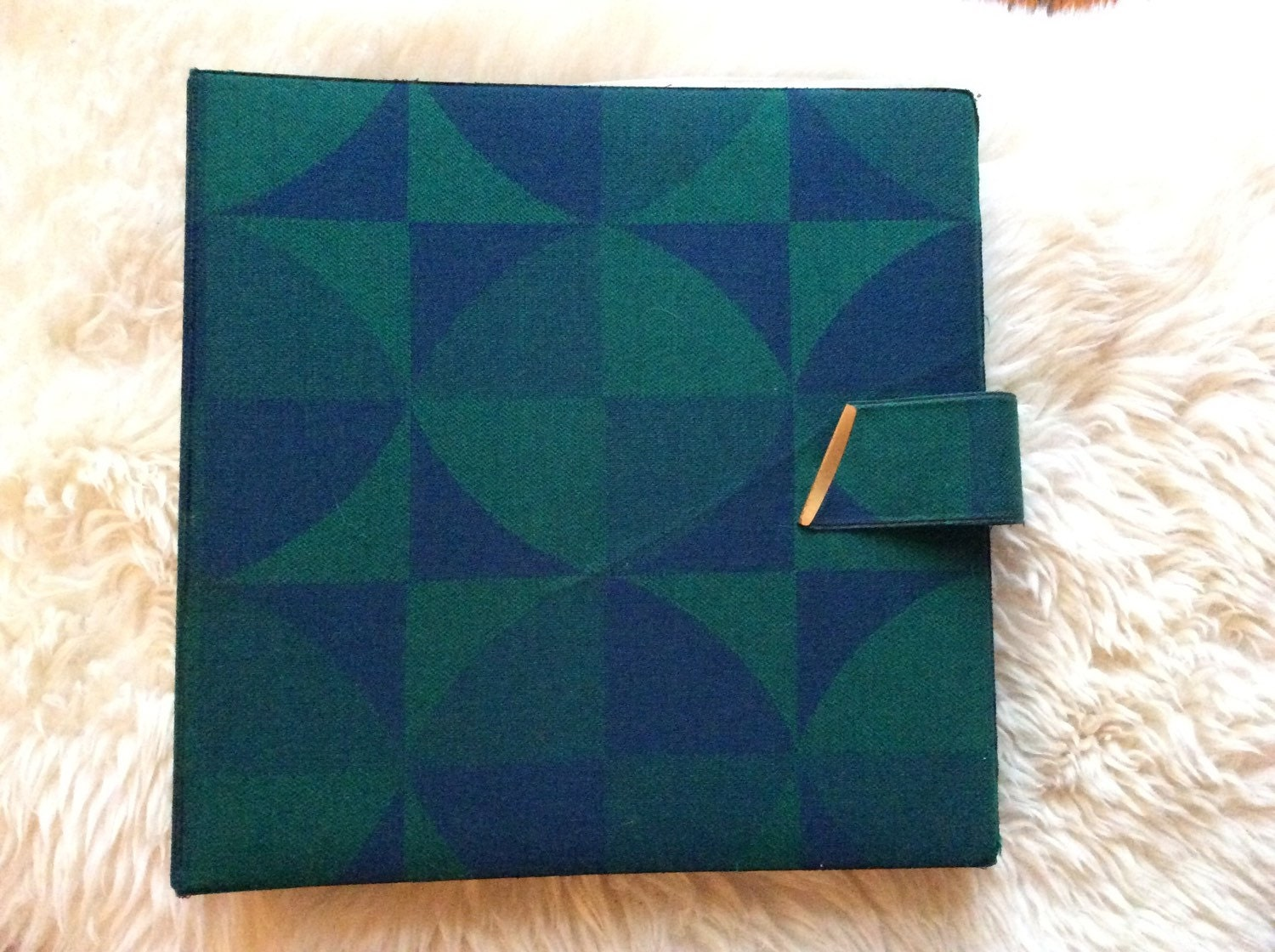 Good ways of setting out a Textiles folder?