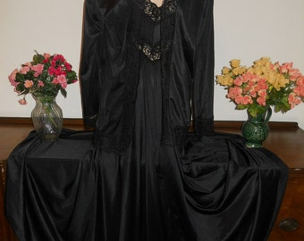 Vintage 1980's ~ UCW RARE Peignoir Set ~ Negligee Set~ Set Black Magic Silky Nylon Diva Wide Sweep ~ VLV~ Dramatic~ Hollywood ~ Size Medium