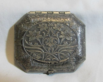 SALE - Was 115 dollars Now 95! - Vintage Art Nouveau Silver Plated Rouge Compact, Woodworth, Karess, 1920's
