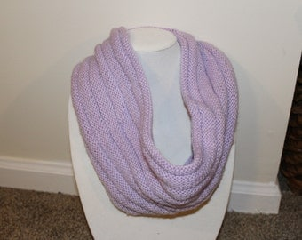 Lightweight Ribbed Cowl in Lavender