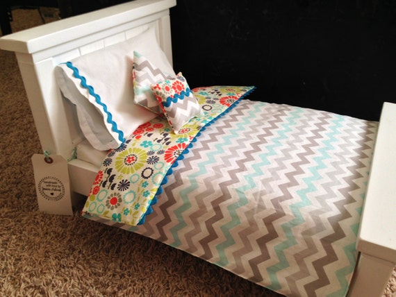 American Girl Doll Bedding. Reversible 5pc Set. Turquoise chevron and flowers