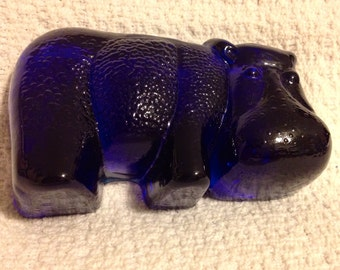 Vintage Cobalt Blue Hippopotamus Paperweight, Hippo figurine, Viking Art Glass, Cobalt Blue, Vintage
