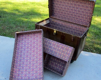 Large 1920's vintage steamer trunk with compartments / trunk / luggage / suitcase / antique traveling trunk / 1920's