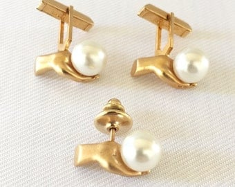 Vintage Gold Tone Hand Holding Pearl Cuff Link and Tie Pin Set - Groom, Groomsmen, Gift, Formal, Black Tie Wedding