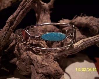 Solid Antique Sterling Silver Turquoise Cuff bracelet.