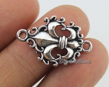15 Fleur de lis Charms--Tibetan Silver Tone Charms Pendants Jewelry Findings DIY Accessories--BF319