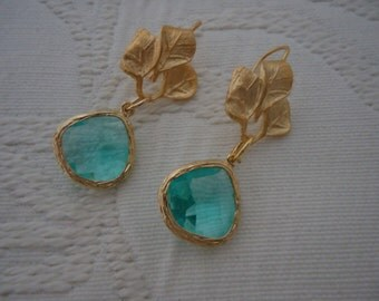 Hang with aquamarine earrings