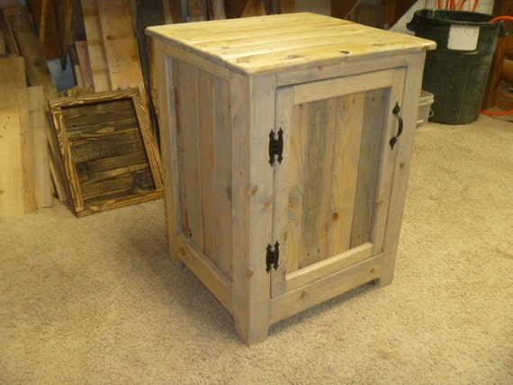 reclaimed pallet wood nightstand weathered oak end table. Black Bedroom Furniture Sets. Home Design Ideas