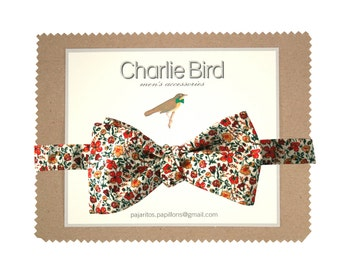 Flowered bow tie with southern summer colours