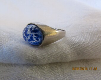 Vintage Ring With Blue Swirl Cabochon