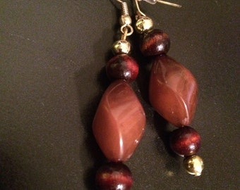 Gold 'n' Stone - 2timothys16, brown stone earrings, coffee colored beads, mahogany like beads, gold accents, chocolate colored earrings,