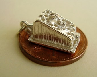 Sterling Silver Opening Cheese Dish Mouse Charm