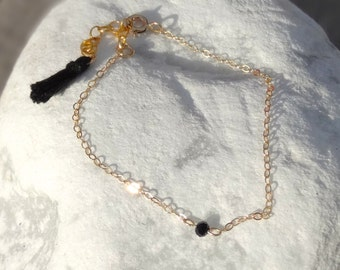 End Bracelet Bead glass on fine gold filled chain