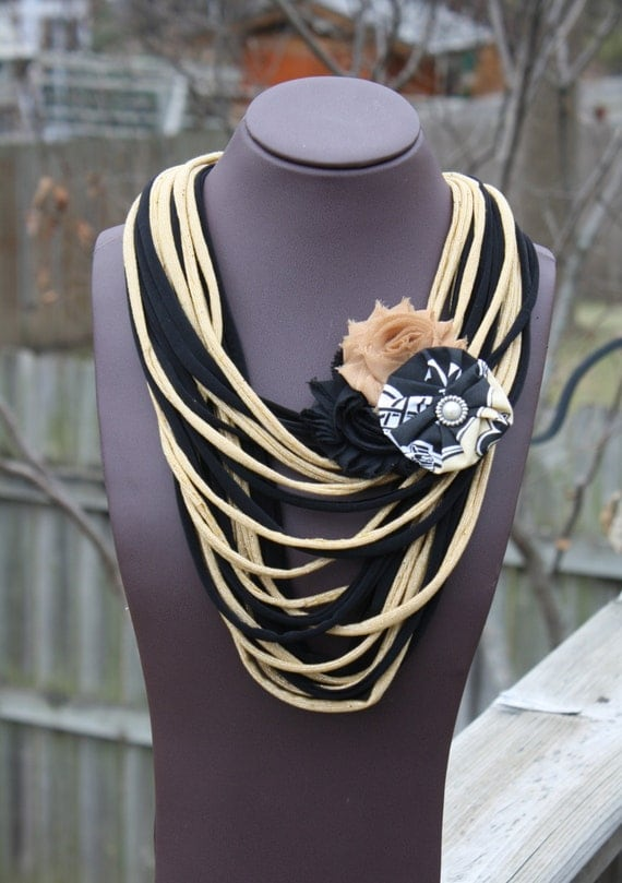 new orleans saints shredded scarf with flower clip pin