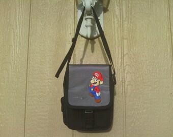 Super Mario Mini  Sling DS Bag Holder/Carrying case. Nintendo.