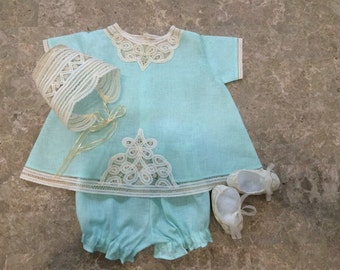 Baby clothes with fagotting