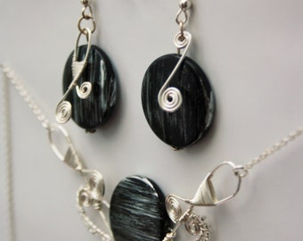 Black'n'silver swirl necklace and earrings,