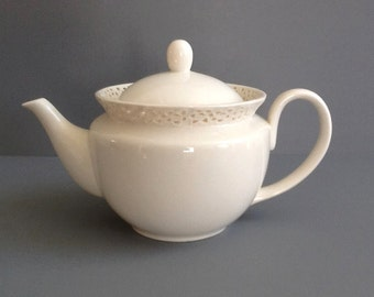 Vintage Ivory Teapot, Cream Lace by Godinger, 30 Ounces