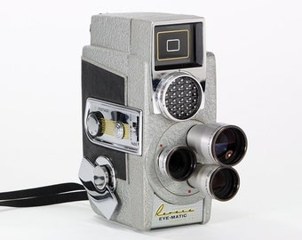 Retro 1958 Revere Eye-Matic CA-2 Magazine Eight Movie Camera – a must for any camera collector and perfect for display.