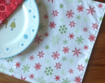 Set of 2 Reversible Holiday Placemats - Snowflakes on White and Green