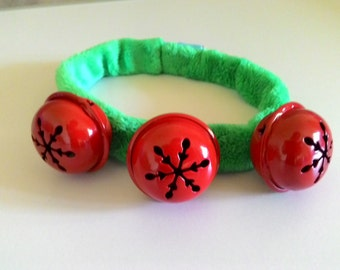 Green Minkies Collar With Red Bells